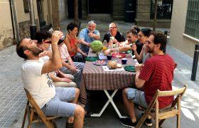 Per Festa Major, sopem al carreró! Sopar a la fresca al carrer Dalmau